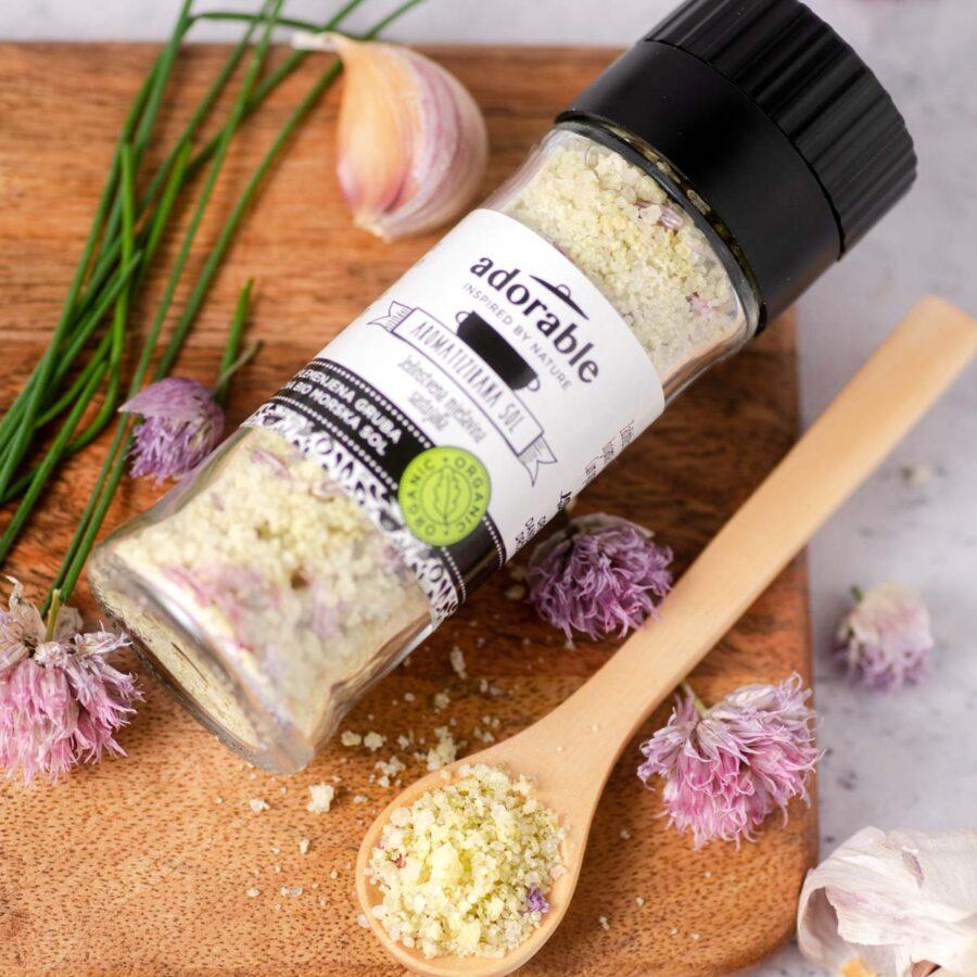Aromatizirana sol s češnjakom i vlascem